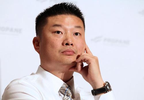 Chang puts Egleston headmaster on leave amid registration snafu