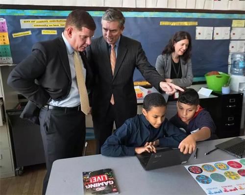 Boston School Committee chairman to step down