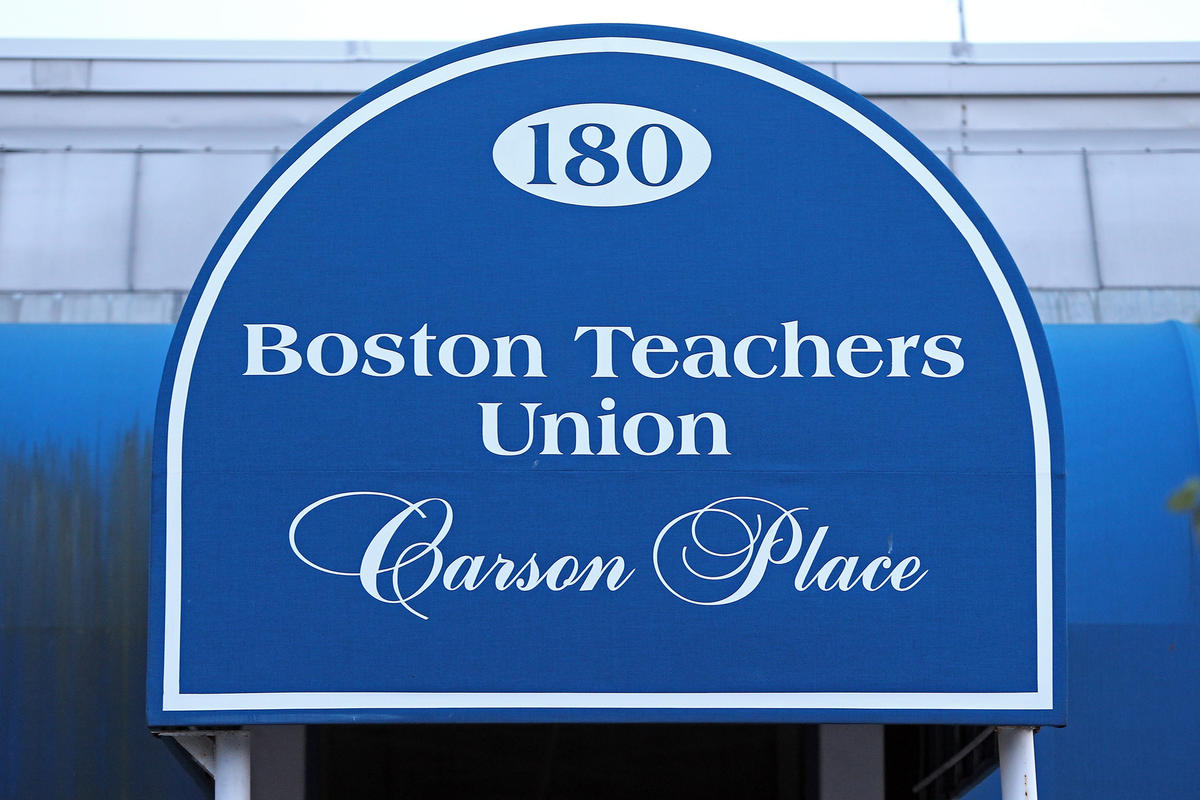 Charter school teachers vote to unionize